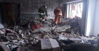 Стены дома частично обрушились в результате хлопка газовоздушной смеси