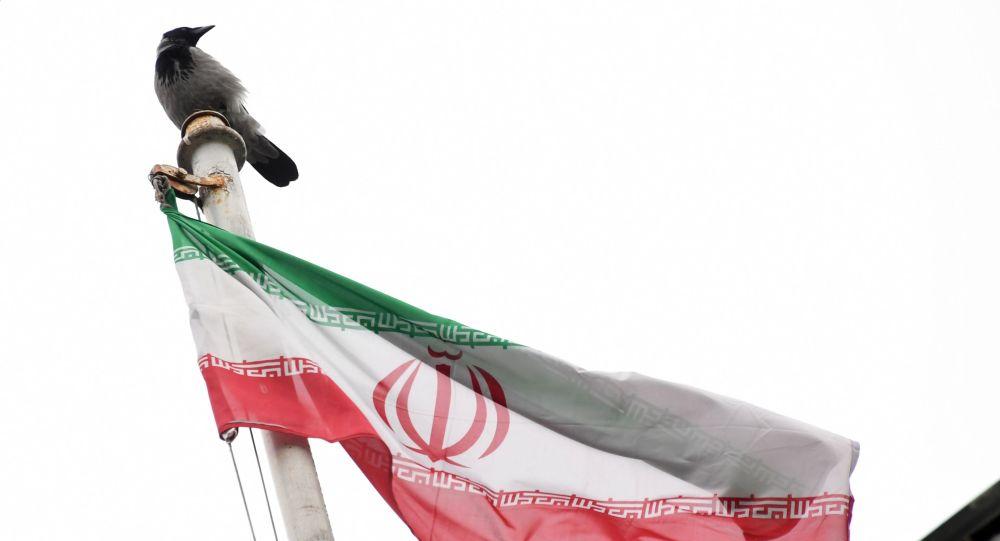 Флаг посольства Исламской Республики Иран на Покровском бульваре в Москве