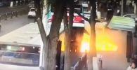 Автобус провалился под землю в Китае
