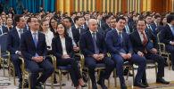 Президенттік жастар кадрлық резерві өкілдері Ақордада Қасым-Жомарт Тоқаевпен кездесті