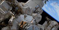 Астронавты Кох и Меир совершают выход в открытый космос для полной замены батареи