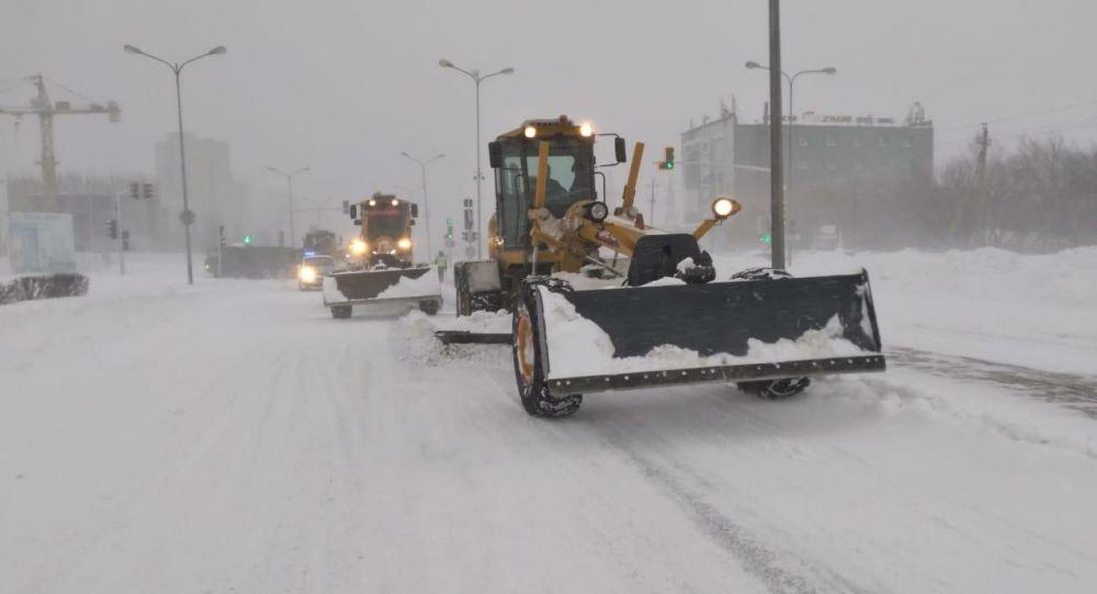 Уборка снега в Нур-Султане