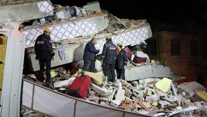 Кадры разрушительного землетрясения в Турции