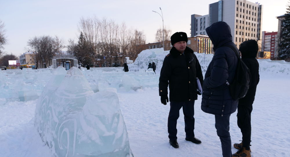 Подростки разрушили ледовый городок в Петропавловске
