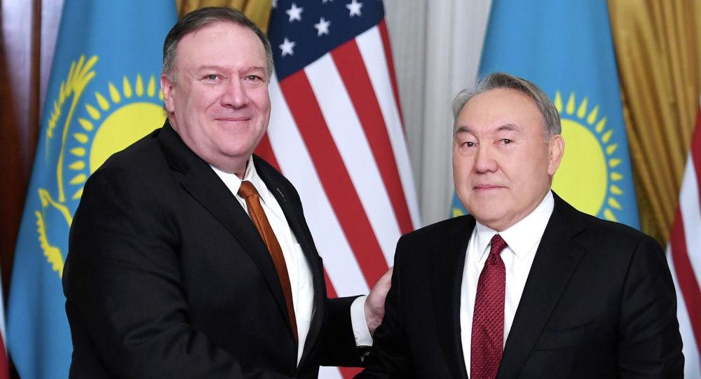 АҚШ мемлекеттік хатшысы Назарбаевқа Трамптың сәлемін жеткізді