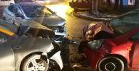 Три автомобиля столкнулись на перекресте улиц Каирбекова и Казыбек би