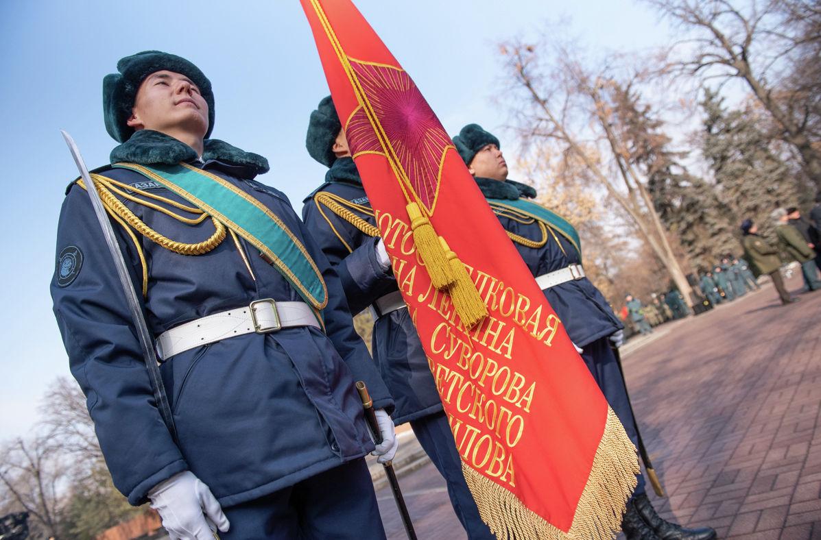 В честь 75-летия Великой Победы в Алматы прошла эстафета Мы - наследники Победы