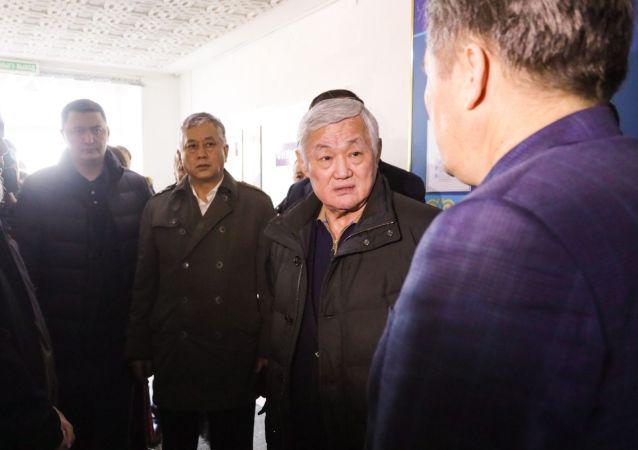 Б. Сапарбаев поговорил со старейшинами сел в Кордайском районе