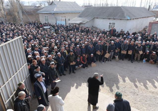 Похороны погибшего в беспорядках в селе Масанчи