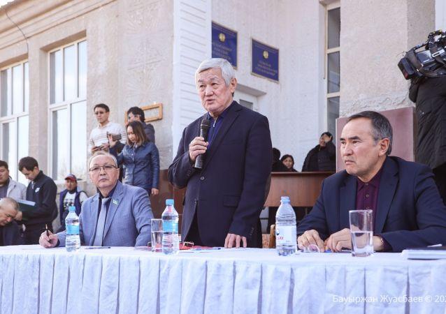 Вице-премьер Бердибек Сапарбаев провел встречи с жителями поселков Сортобе, Масанчи, Аухатты и Каракемер Кордайского района