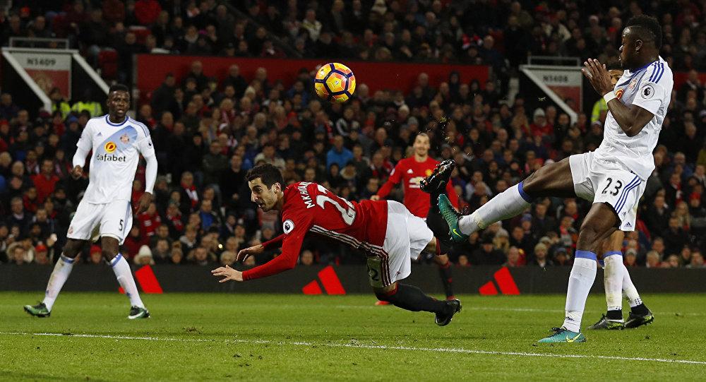 Генрих Мхитарян забил гол года вВеликобритании «ударом скорпиона»