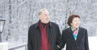 Первый президент Казахстана Нурсултан Назарбаев и глава фонда Бобек Сара Назарбаева