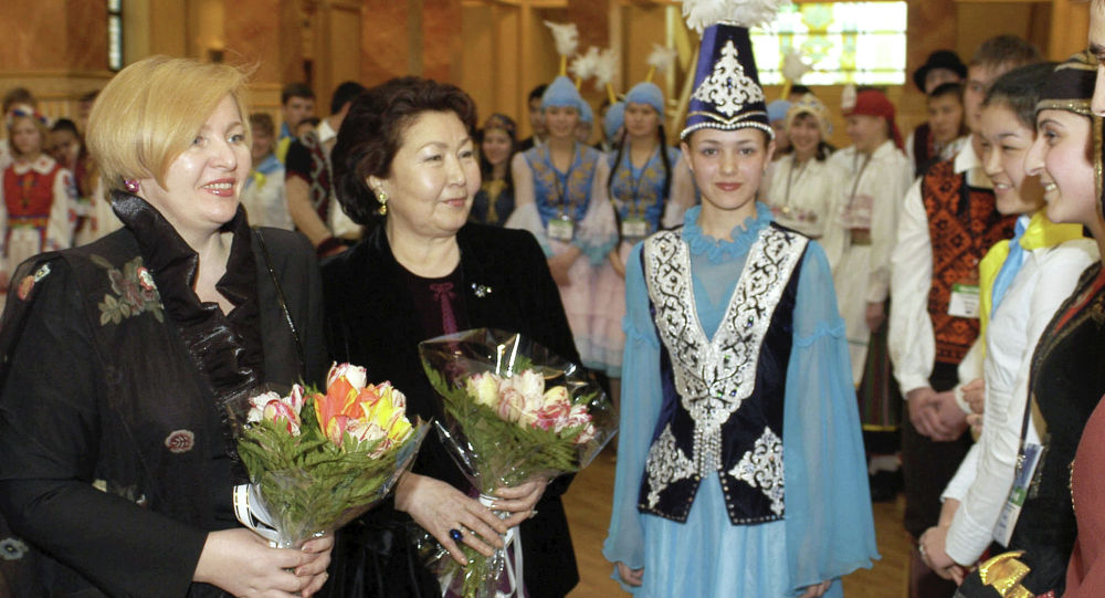 Сара Назарбаева мен Людмила Путина