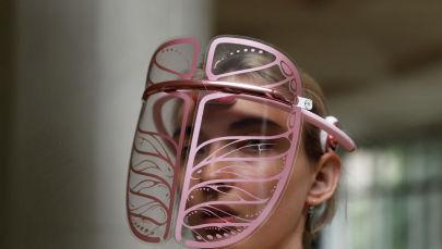 Маска, я тебя знаю: изучаем новый бьюти-гаджет Smart Graphene Mask