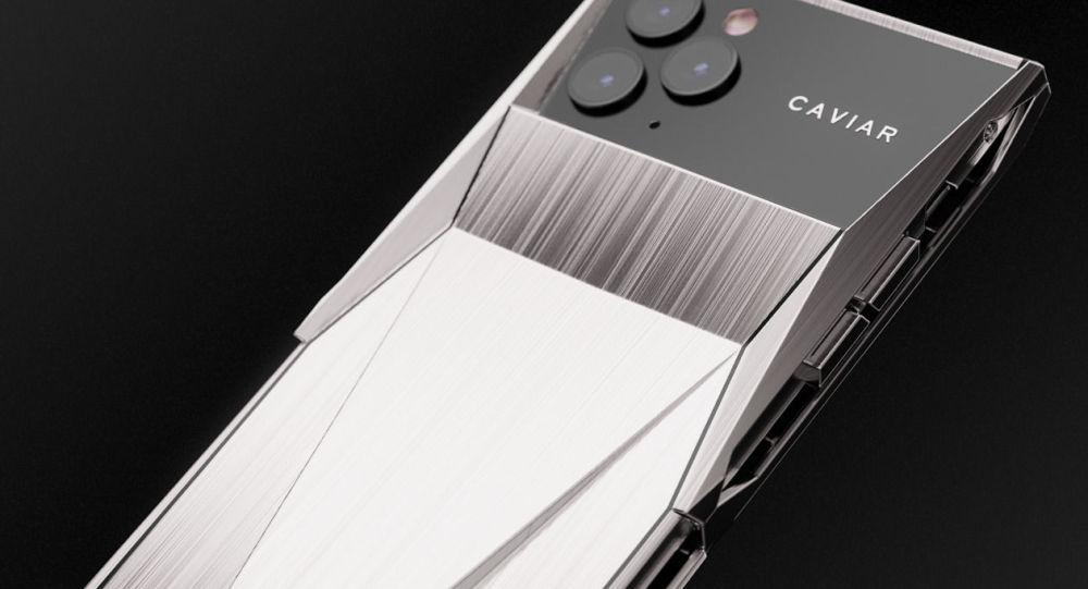 Caviar выпустил элитный айфон имени Tesla