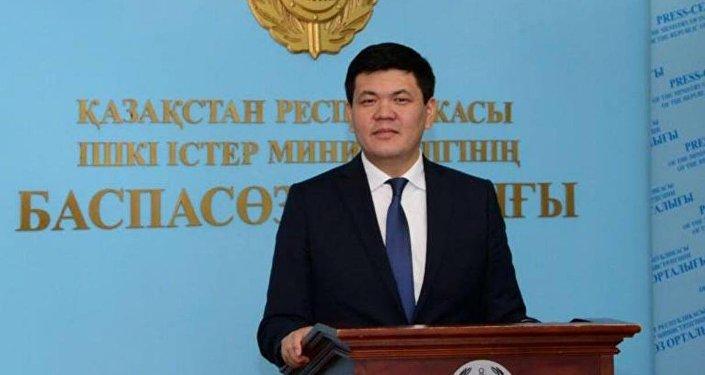 Алмас Сәдубаев