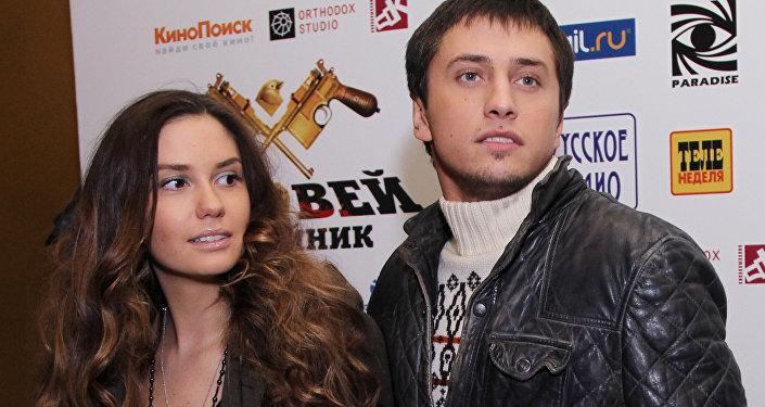 Актер Павел Прилучный и его супруга Агата Муцениеце-Прилучная