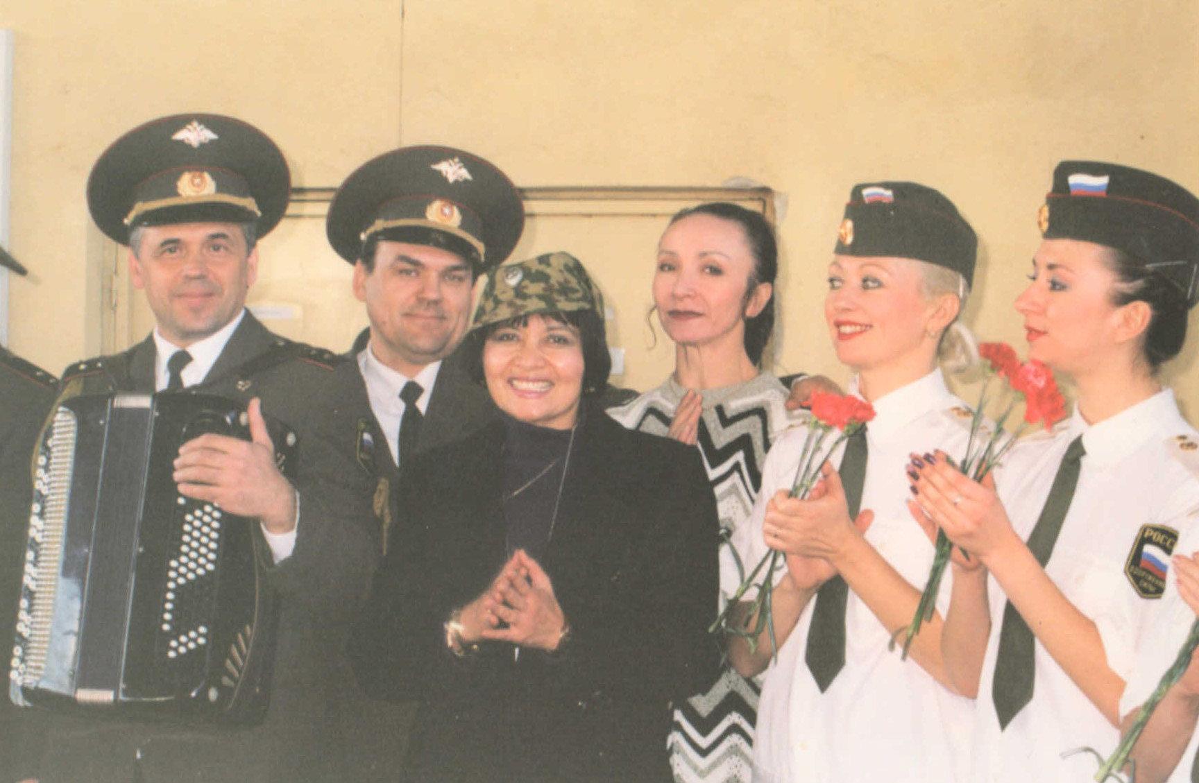 Ансамбль песни и пляски имени Александрова в Косово, 2001 год