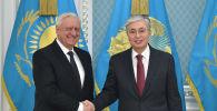 Президент Казахстана Касым-Жомарт Токаев и председатель Коллегии Евразийской экономической комиссии Михаил Мясникович