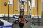 Долой цензуру. Черышева и Вышинский вышли на пикет к посольству Эстонии в Москве