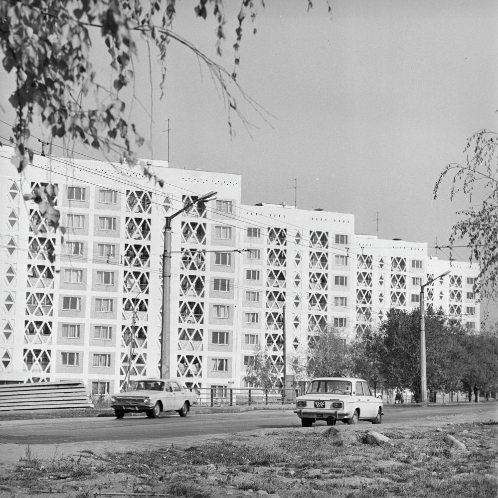 Новый микрорайон Коктем (Весна) в городе Алма-Ата (Алматы). 1979 год