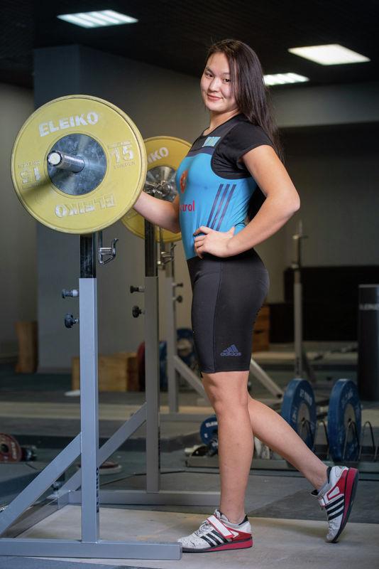 Акерке Байманап. Тяжелоатлеты девушки. Юношеская сборная