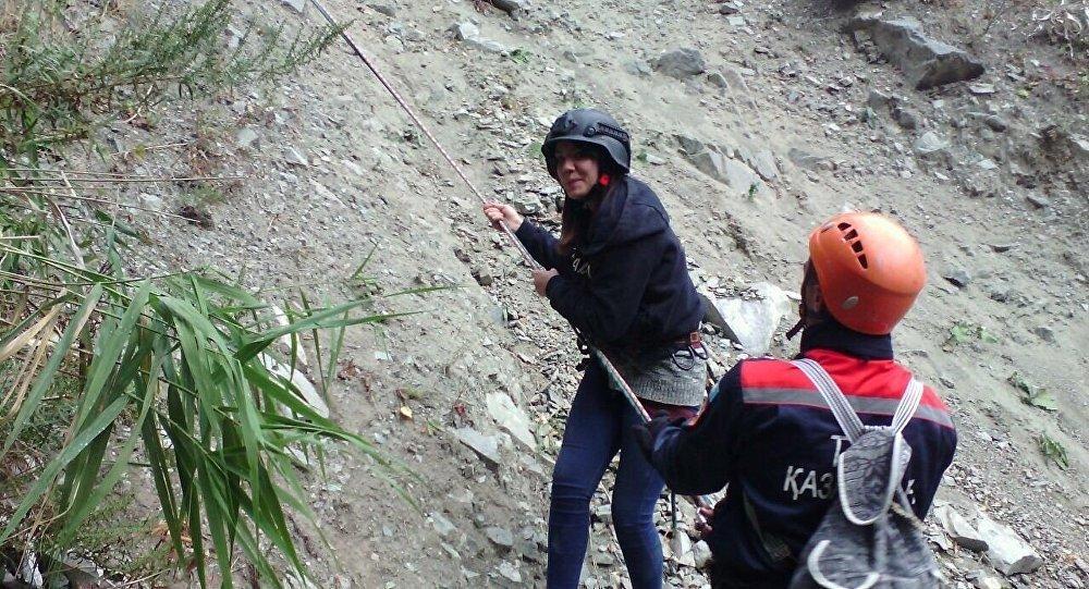 Подростки пострадали после похода в горы в Алматы