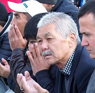 Курбан Айт в Астане: праздничный намаз и посещение Назарбаевым мечети