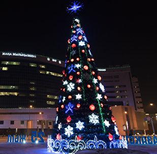 Новогодние елки в Астане