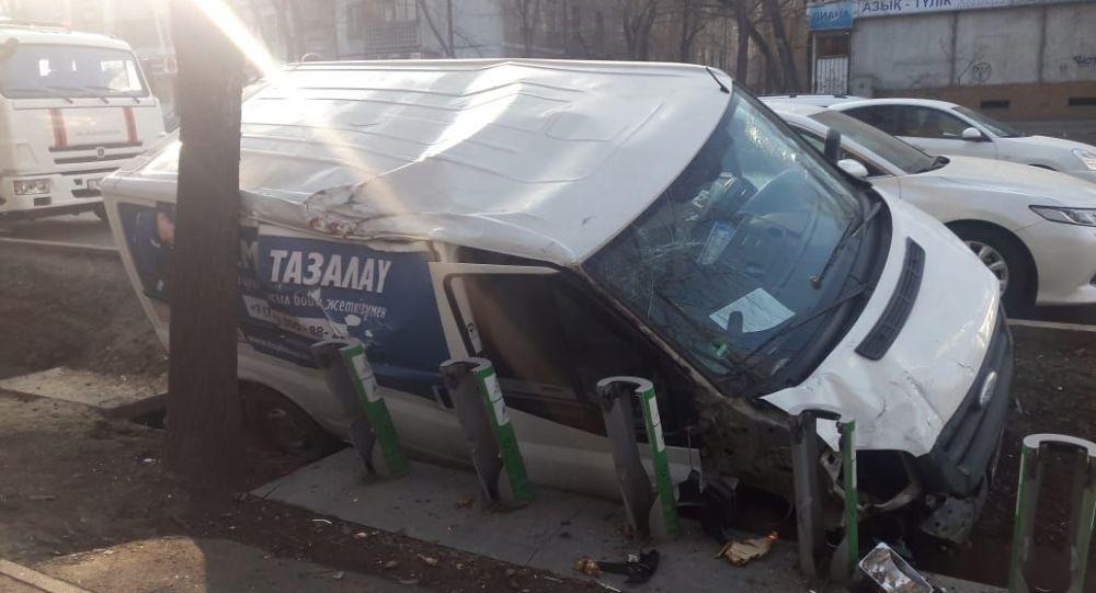 Мақатаев және Наурызбай батыр көшесі қиылысындағы жол апаты