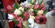Флорист поделился секретами составления букета к 8 Марта