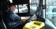 Комплименты каждый день: как работают женщины-водители автобусов в Нур-Султане
