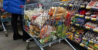 Супермаркеттегі сатушылар
