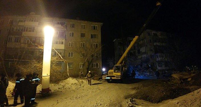 Многоэтажный дом обрушился в поселке Шахан