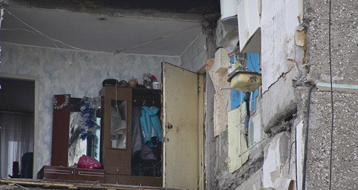 Обрушение жилого дома в поселке Шахан города Шахтинска, архивное фото