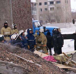 Разбор завалов на месте обрушения жилого дома в поселке Шахан