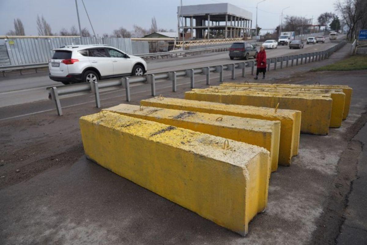 Обустройство блокпостов на въезде в Алматы в связи с ситуаций по коронавирусу