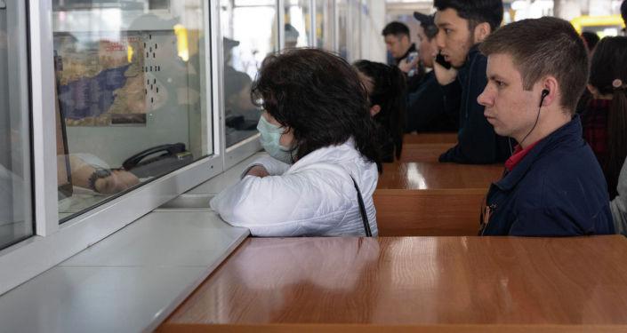 Коронавирусқа байланысты Алматы автовокзалындағы жағдай