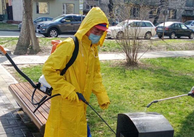 Санитарная обработка улиц Алматы в связи с коронавирусом