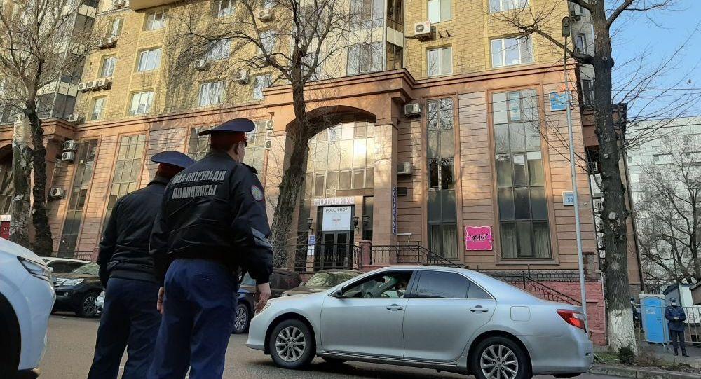 Первый очаг в городе Алматы, подвергнувшийся полному карантину: ЖК Сункар