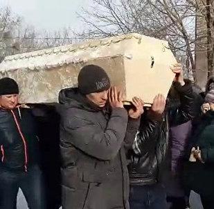 Пятерых погибших в Шахане провели в последний путь