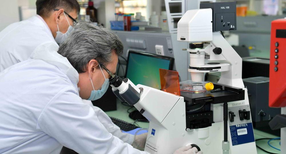 Ұлттық биотехнология орталығының қызметкерлері