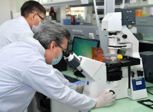 Глава государства посетил Национальный центр биотехнологии