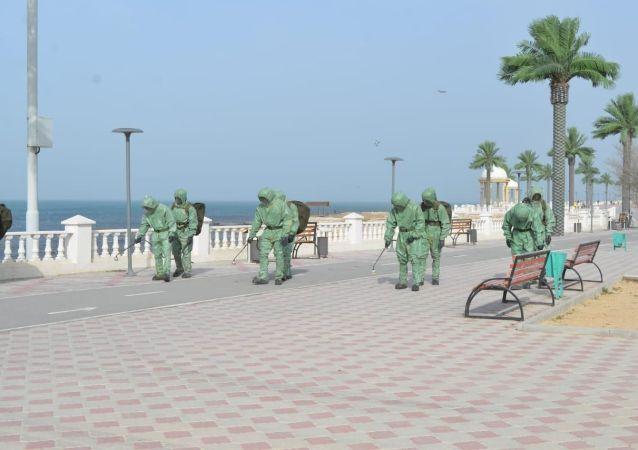 Дезинфекция на берегу Каспия