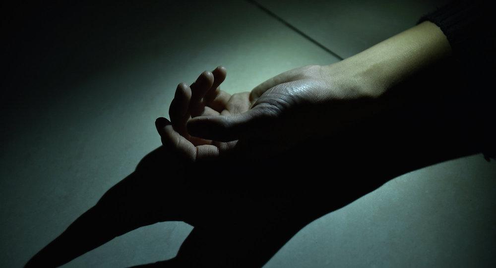 Адамның қолы, архивтегі сурет