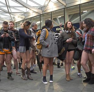 День без штанов – как ежегодный флешмоб прошел в Лондоне и Берлине