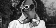 Маска для лица, рекомендованная в качестве защиты от радиоактивных осадков в Гамбурге, Германия, 1957 год