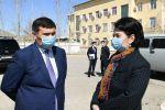 Новый аким Кызылординской области Гульшара Абдыкаликова начала свою работу с посещения инфекционной больницы