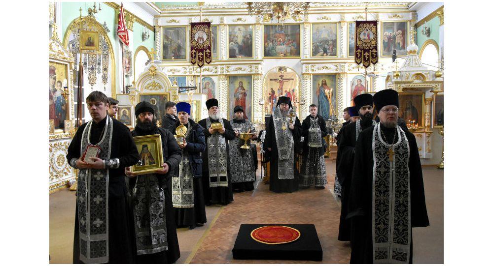 Православные священники Петропавловска молились о прекращении эпидемии коронавируса