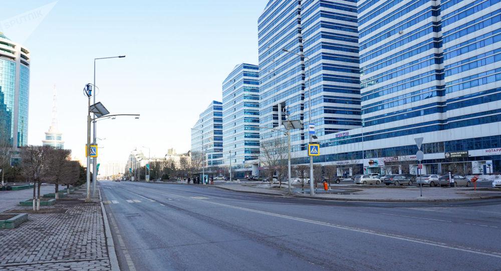 Пустые улицы Нур-Султана днем